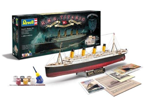 """Revell RV05715 Modellbausatz Schiff 1:400 - Geschenkset \""""100 Jahre TITANIC\"""" im Maßstab 1:400, Level 5, originalgetreue Nachbildung mit vielen Details, Kreuzfahrtschiff, 05715"""
