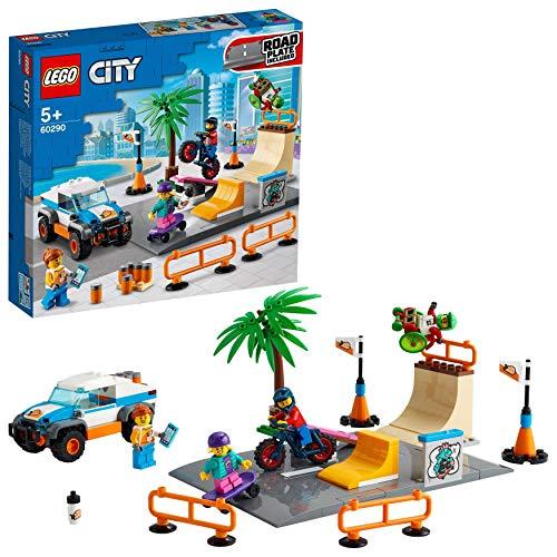 LEGO 60290 City Skate Park Bauset mit Skateboard, BMX Fahrrad, Truck und Minifigur von Rollstuhl-Sportler